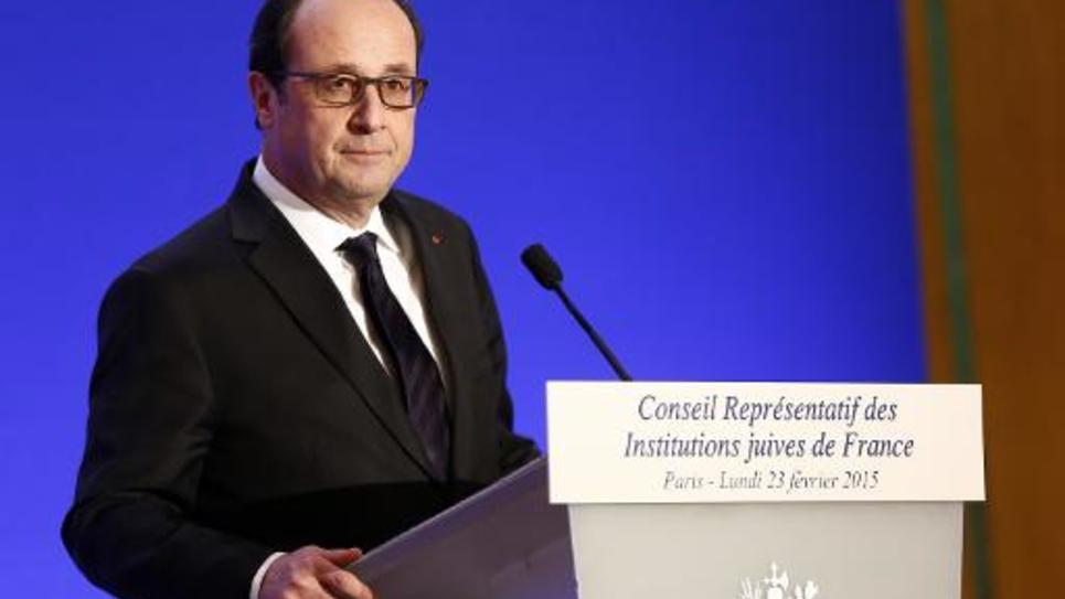 Le président François Hollande s'adresse au public réuni pour le diner du Crif le 23 février 2015 à Paris