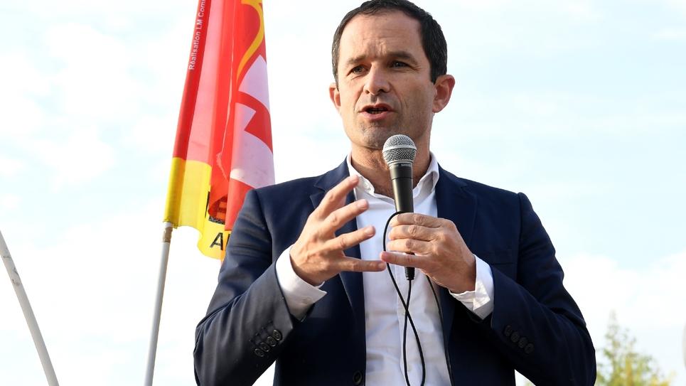 Benoît Hamon devant les employés de General Electric (GE) Hydro-Alstom, à Grenoble, le 20 octobre 2017
