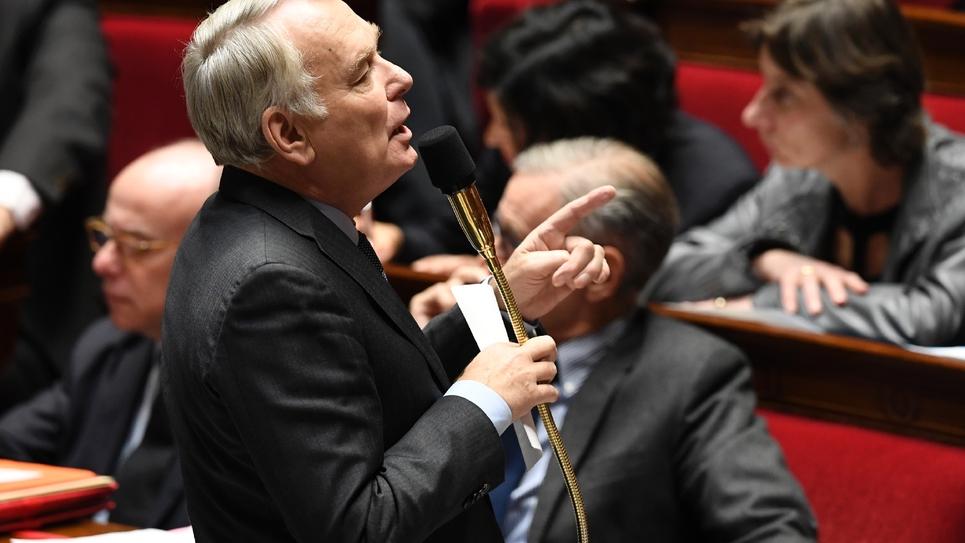 Le ministre des Affaires étrangères Jean-Marc Ayrault lors des questions au gouvernement le 14 décembre 2016 à l'Assemblée nationale à Paris