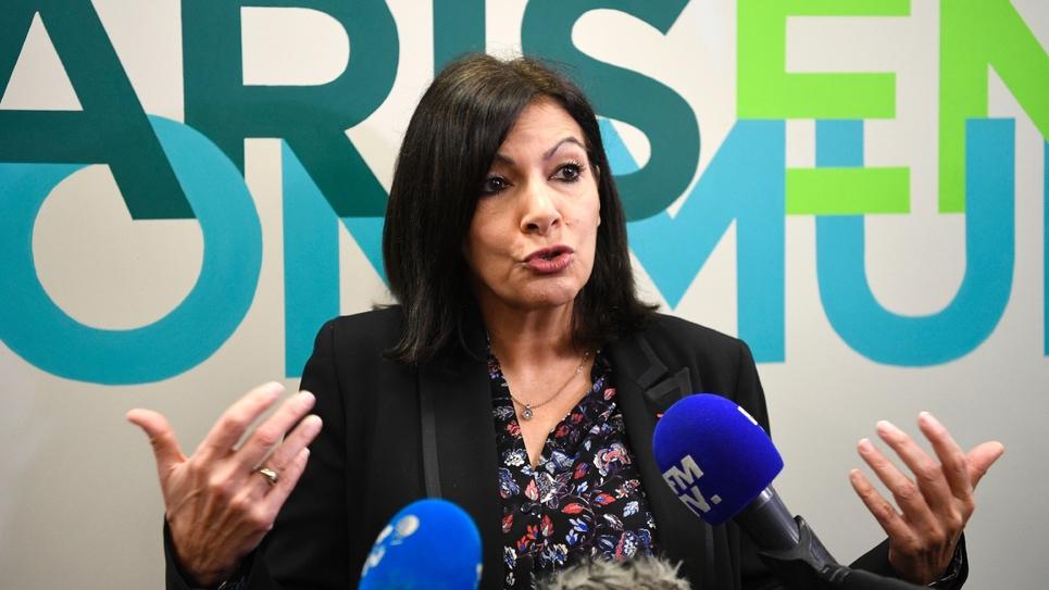 La maire PS sortante de Paris Anne Hidalgo s'exprime le 13 janvier 2020 à son siège de campagne pour les municipales à Paris