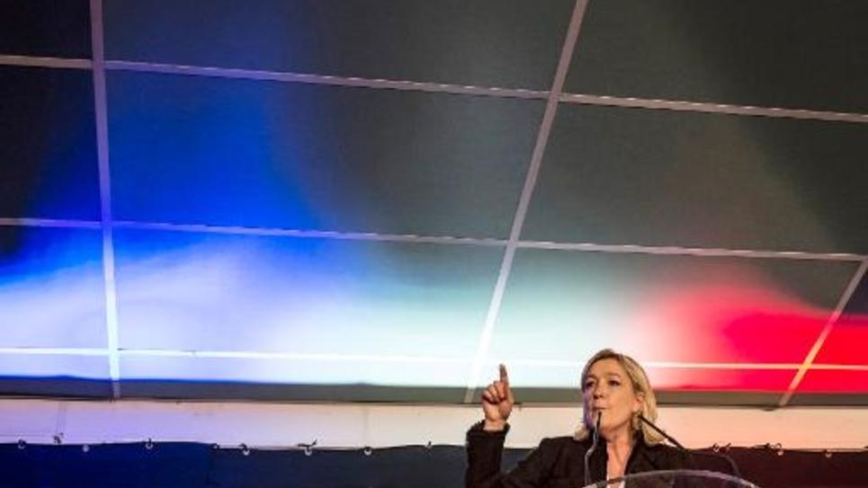 La présidente du FN Marine Le Pen s'exprime lors d'un meeting le 7 février 2015 à la Roche-sur-Foron, en Haute-Savoie