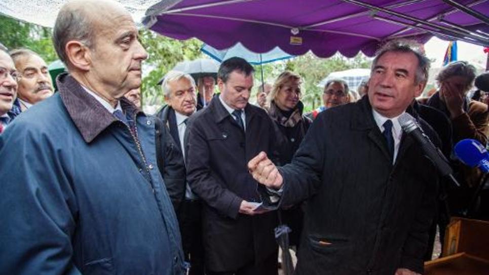 Alain Juppé et Francois Bayrou le 10 novembre 2013 à Saint-Leon-sur-Vezere