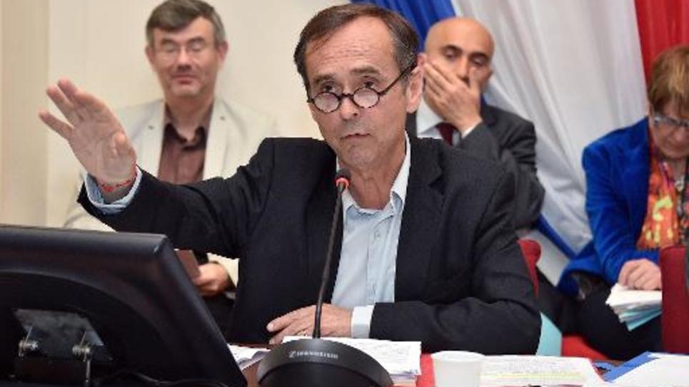 Robert Ménard, maire de Béziers, lors d'un conseil munucipal le 5 mai 2015