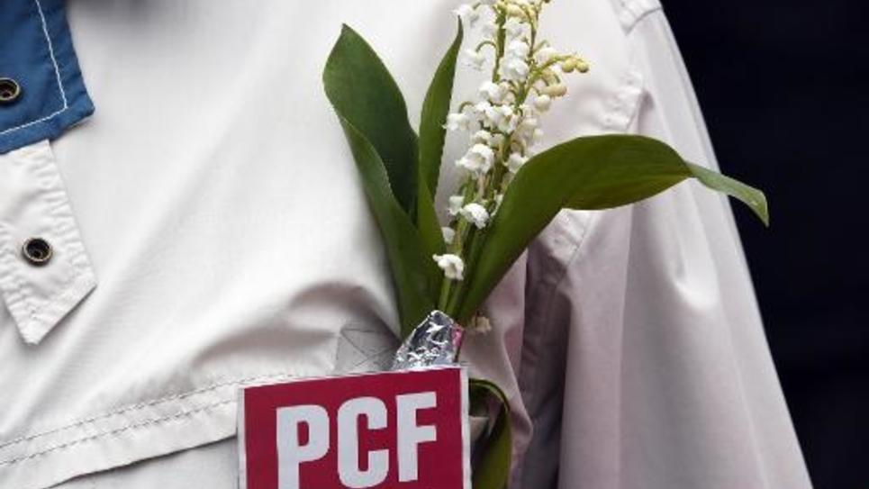 Un militant du parti communiste français (PCF) le 1er mai 2015 à Rennes