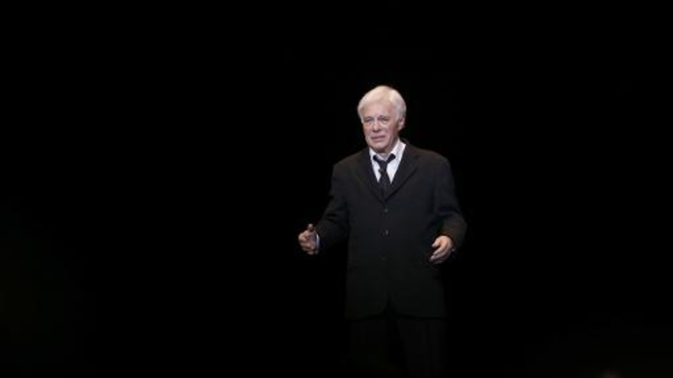 L'humoriste Guy Bedos lors de son dernier one-man-show à l'Olympia à Paris le 23 décembre 2013