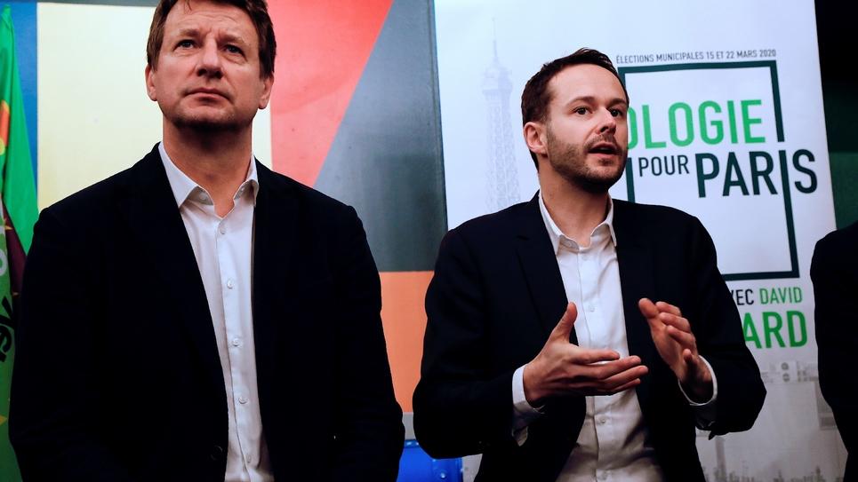 David Belliard (d), tête de liste Europe Ecologie Les Verts (EELV) à Paris, et l'eurodéputé EELV Yannick Jadot, à Paris le 5 février 2020