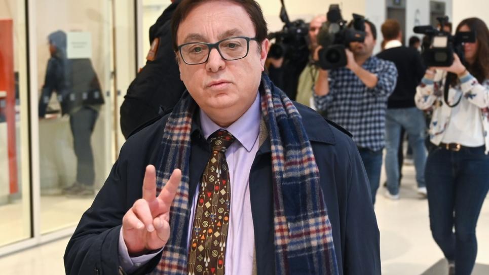 Jean-François Jalkh, eurodéputé du Rassemblement National (RN), arrive au Tribunal de Grande Instance de Paris), à l'ouverture du procès, le 6 novembre 2019