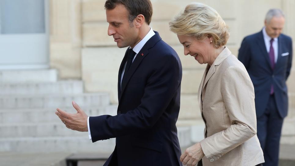 Le président français Emmanuel Macron et la présidente de la Commission Européenne Ursula Von Der Leyer à Paris le 14 octobre 2019