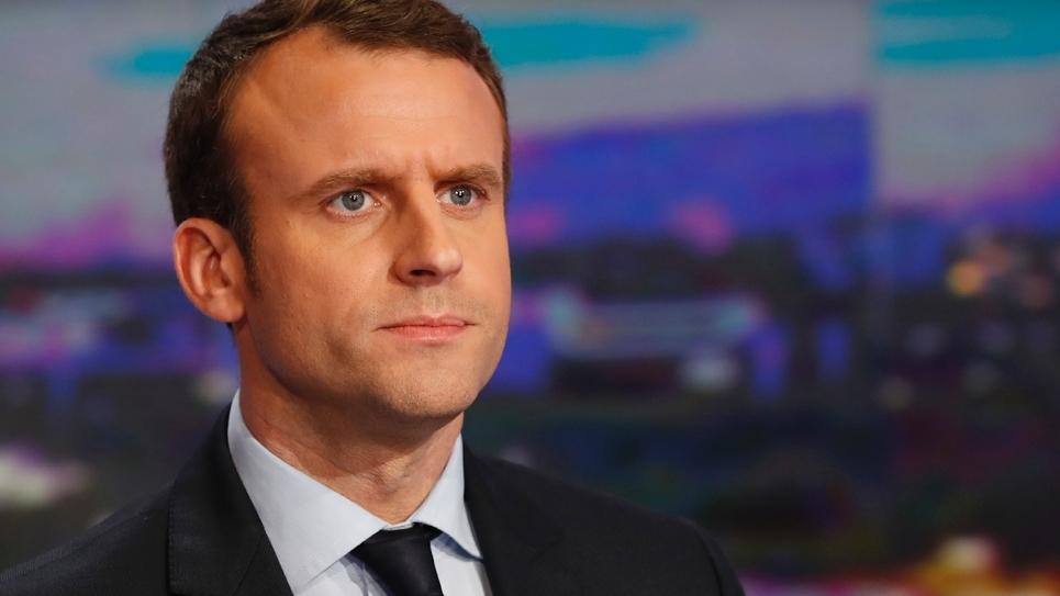 Emmanuel Macron sur le plateau de TF1 le 1er février 2017 à Boulogne-Billancourt