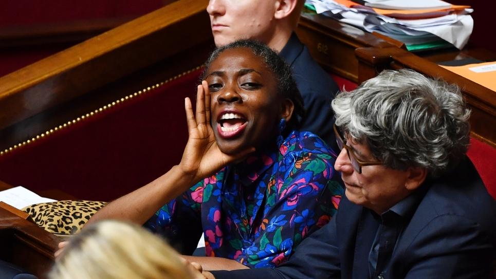 La députée La France insoumise Danièle Obono assiste au débat avant le vote des mentions de censure contre le gouvernement à l'Assemblée nationale, le 31 juillet 2018