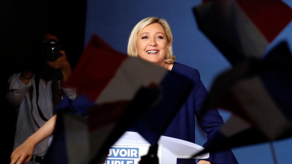 Marine Le Pen prononce un discours lors d'un meeting de campagne pour les élections européennes, le 21 mai 2019 à Villeblevin dans l'Yonne
