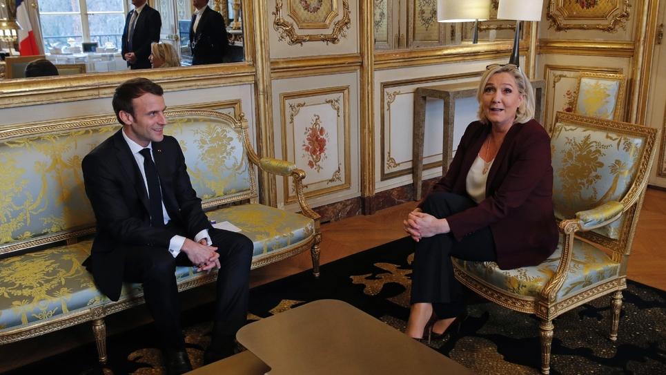 Emmanuel Macron reçoit Marine Le Pen à l'Elysée, le 6 février 2019 dans le cadre du grand débat national
