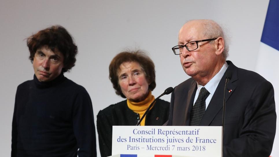 Arno, Beate et Serge Klarsfeld lors du 33e dîner annuel du Crif en 2018 à Paris
