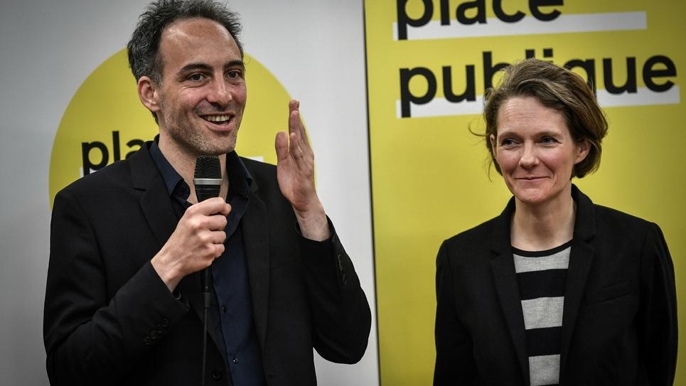 """Raphaël Glucksmann, fondateur du mouvement """"Place publique"""", lors d'une conférence de presse au côté de Claire Nouvian, le 15 amrs 2019 à Paris"""