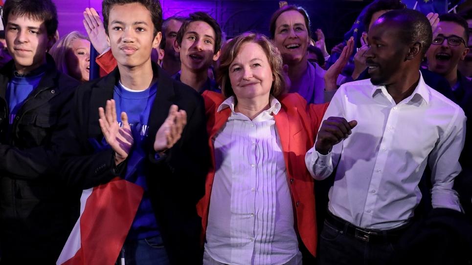 Nathalie Loiseau entourée de militants LREM à la Mutualité à Paris, le 26 mai 2019