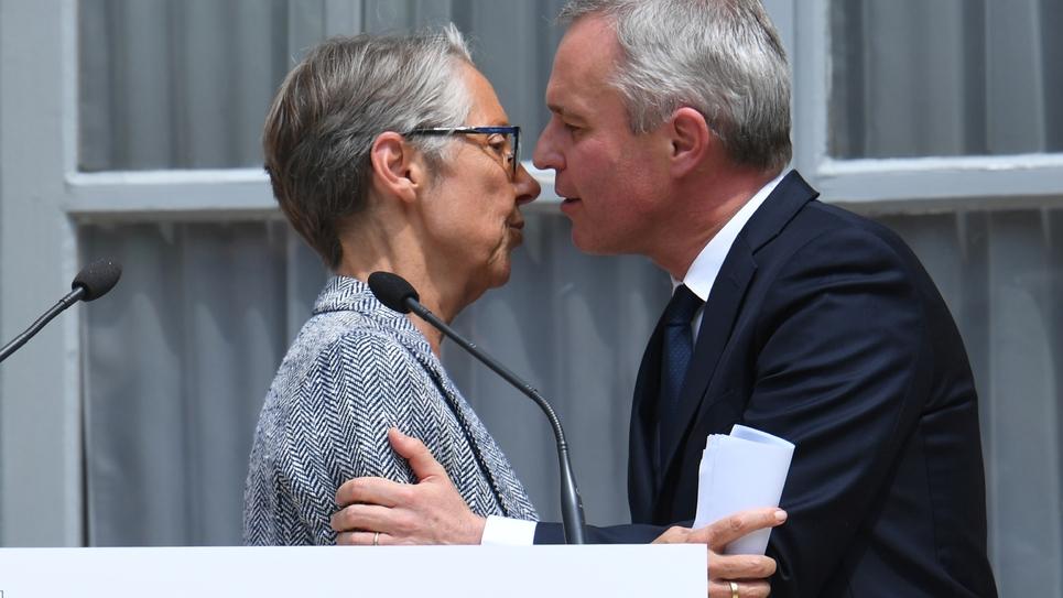 Elisabeth Borne et François de Rugy lors de la passation de pouvoirs au ministère de l'Environnement le 17 juillet 2019