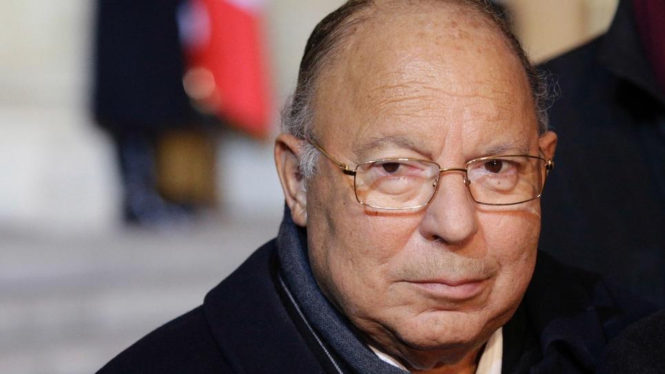 """Les forces de l'ordre """"donnent leur vie pour nous protéger"""", a déclaré Dalil Boubakeur, le recteur de la Grande Mosquée de Paris, indiquant élever """"une prière à Dieu pour la paix et la sécurité"""" du pays en ce vendredi de grande prière"""