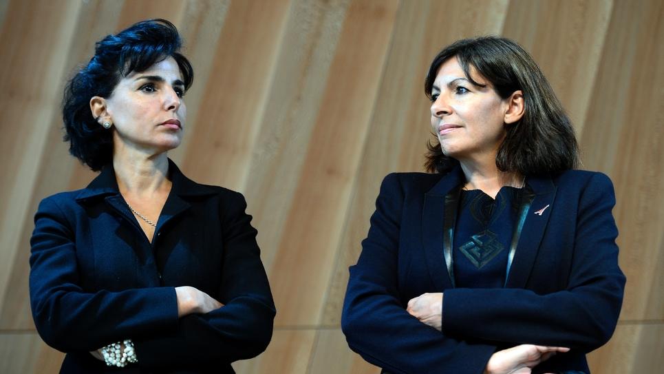 Rachida Dati (G) et Anne Hidalgo le 6 octobre 2014 à Paris