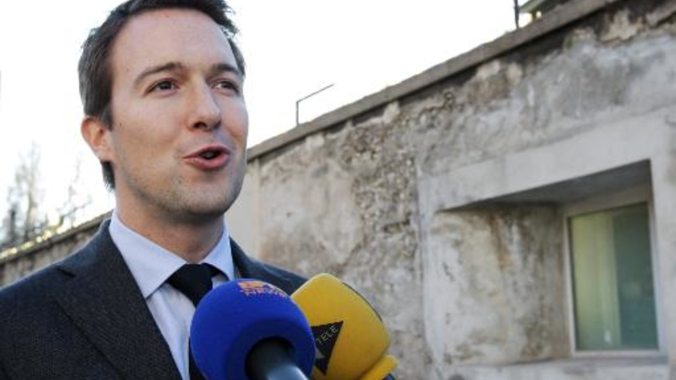 Guillaume Peltier (UMP) s'adresse à la presse le 11 décembre 2014 à Nice
