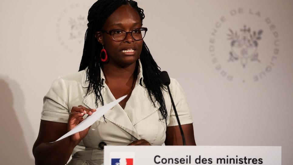 La porte-parole du gouvernement Sibeth Ndiaye s'exprime à l'issue du Conseil des ministres à l'Elysée, le 28 août 2019