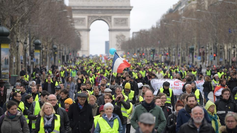 """Manifestation des """"gilets jaunes"""" sur les Champs-Elysées à Paris, le 2 mars 2019"""