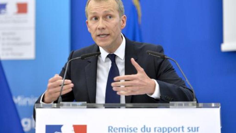 Guillaume Garot lors d'une conférence de presse sur le gaspillage alimentaire le 14 avril 2015 à Paris