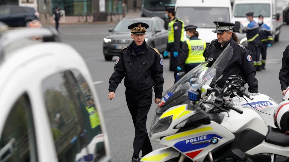 Le préfet de police de Paris Didier Lallement sur un point de contrôle routier sur le périphérique à Paris le 3 avril 2020