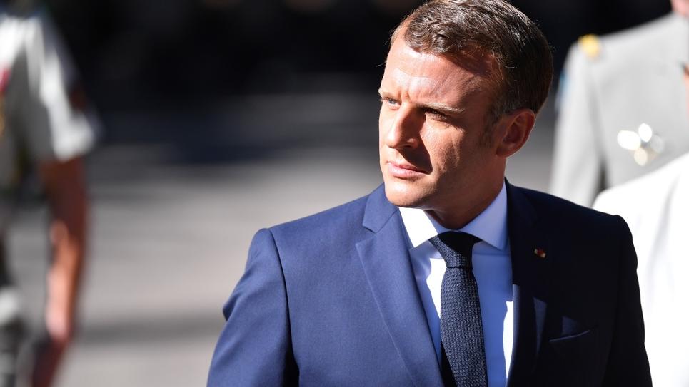 Le président Emmanuel Macron, le 15 août 2019 à Saint-Raphaël, dans le Var