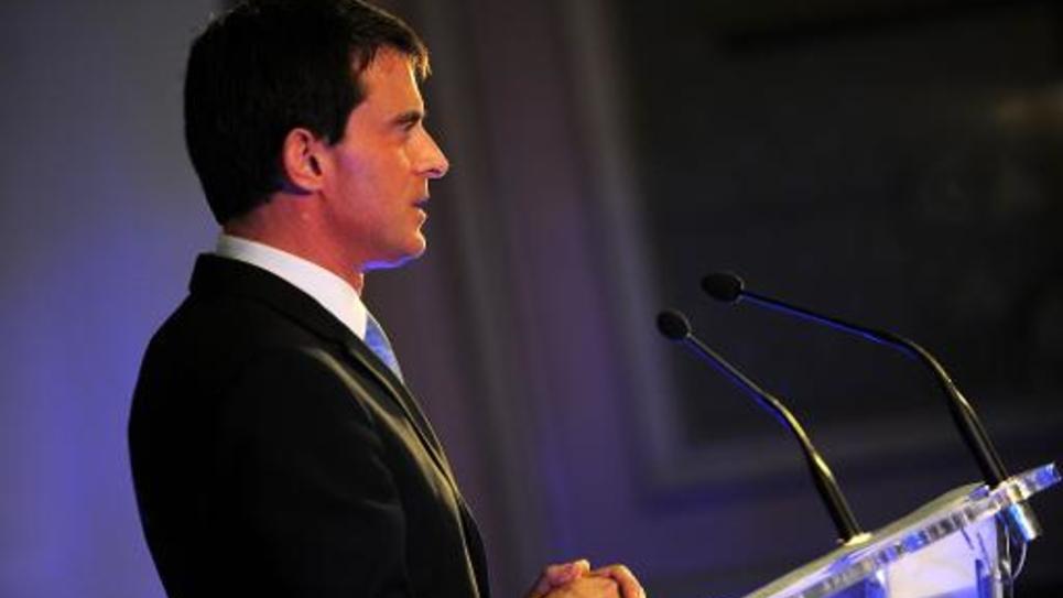 Le Premier ministre français Manuel Valls en meeting électoral pour les départementales à Tours, le 26 mars 2015