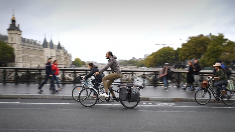 """Photo prise pendant une journée """"sans voiture"""",  à Paris le 1er octobre 2015"""