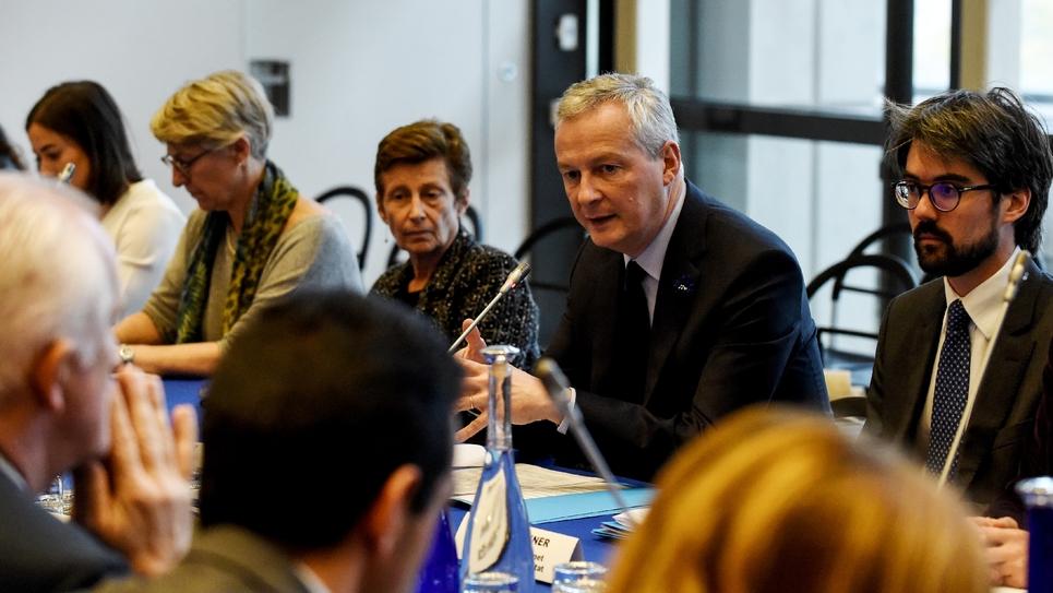 Le ministre de l'Economie Bruno Le Maire assiste à une réunion avec les représentants de l'industrie pétrolière, le 8 novembre 2018 à Paris