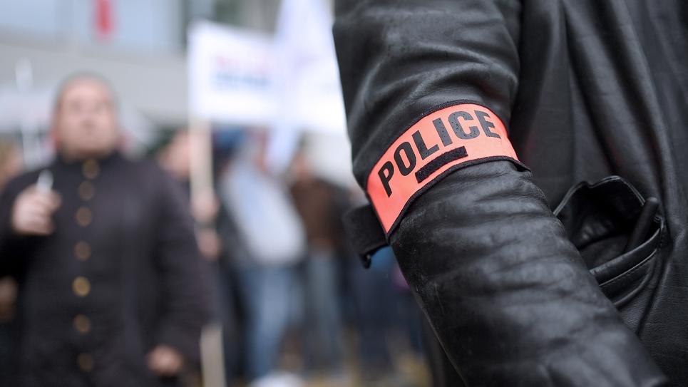 Un policier à Nantes, le 18 mai 2016