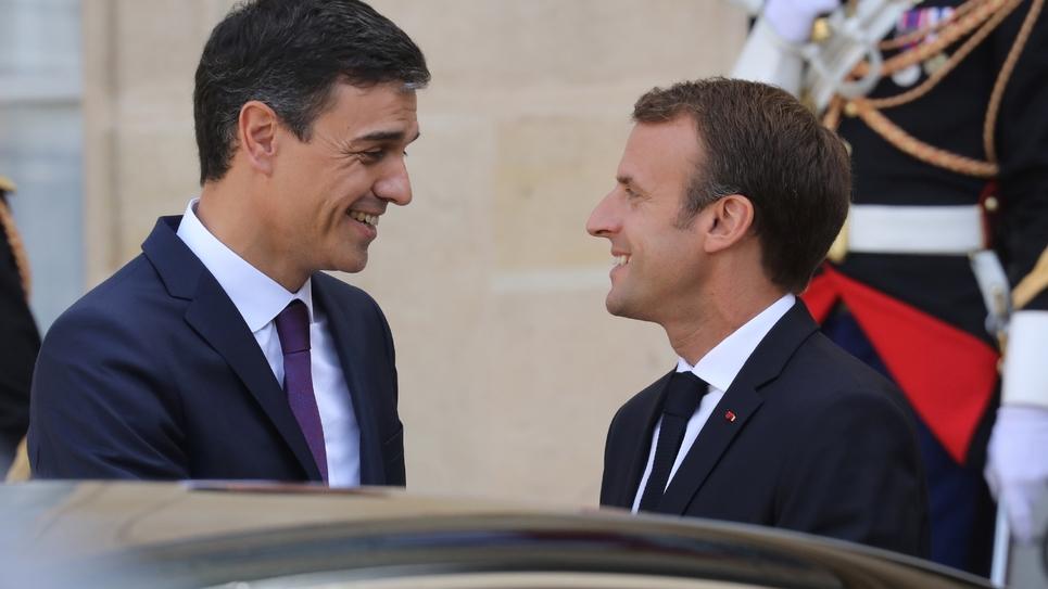 Emmanuel Macron avec Pedro Sanchez lors de la visite du premier ministre espagnol à Paris le 23 juin 2018.