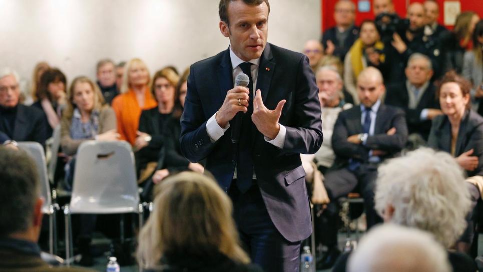 Emmanuel Macron participe à un débat-citoyen à Bourg-de-Péage, près de Valence le 24 janvier 2019