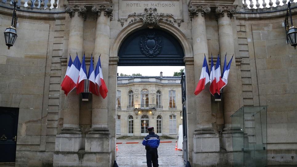 Des gendarmes à l'entrée de l'hôtel Matignon, le 26 août 2014