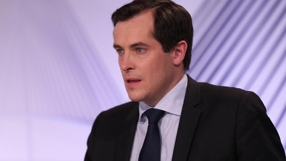 Le secrétaire général du Front National Nicolas Bay à Rouan, le 6 décembre 2015