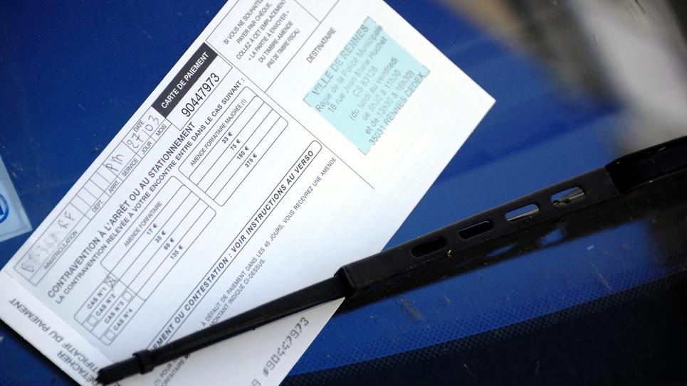 Une amende sur une voiture le 27 mars 2012 à Rennes