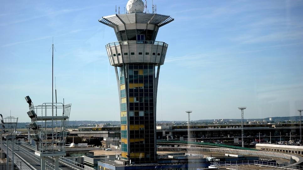 La tour de contrôle de l'aéroport d'Orly, le 27 septembre 2014, près de Paris