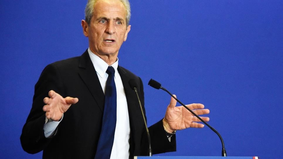 Le maire LR de Toulon Hubert Falco lors d'un meeting à Paris le 11 mars 2015