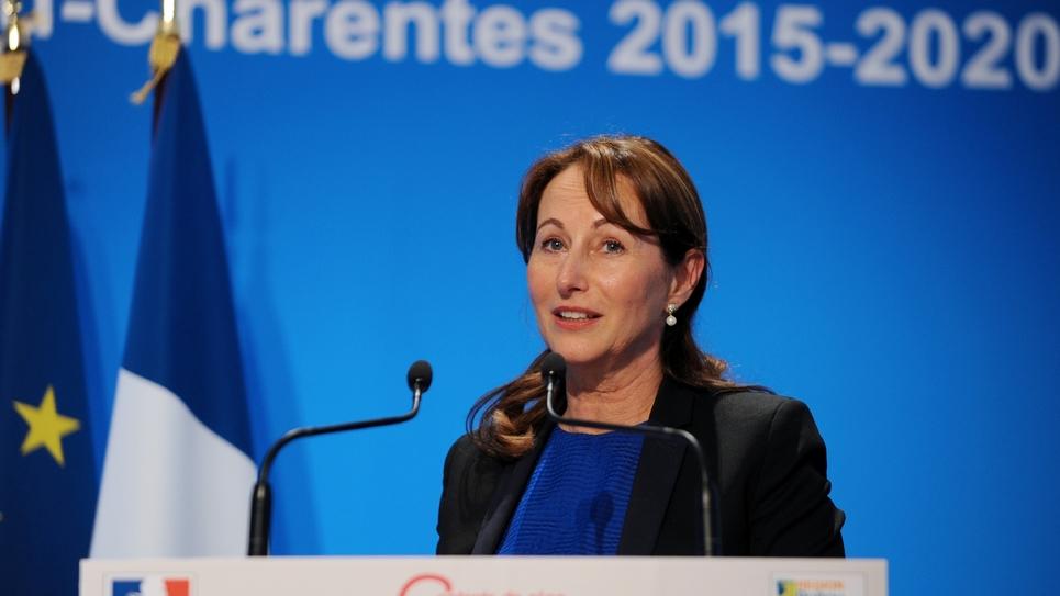 Ségolène Royal lors de la signature du Contrat de plan Etat-Région avec l'ex-Poitou-Charentes, le 4 mai 2015 à Poitiers.