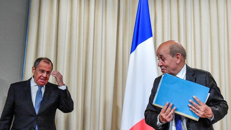 Le ministre russe des Affaires étrangères Sergueï Lavrov (à gauche) avec son homologue français Jean-Yves Le Drian, à Moscou le 9 septembre 2019.