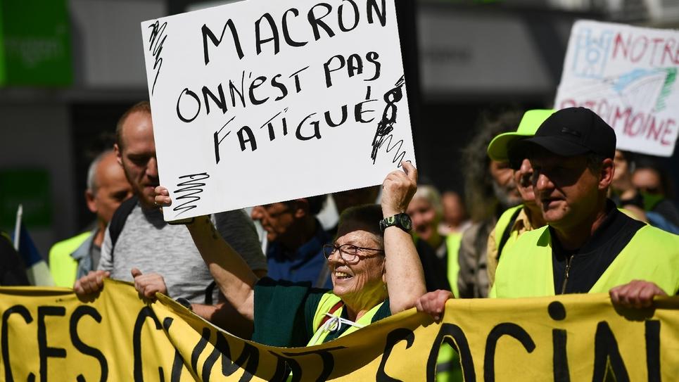 """Des """"gilets jaunes"""" manifestent à Saint-Denis le 20 avril 2019"""