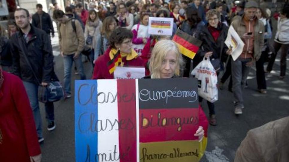 Des professeurs manifestent à Paris contre la réforme du collège prévue par le gouvernement, le 19 mai 2015
