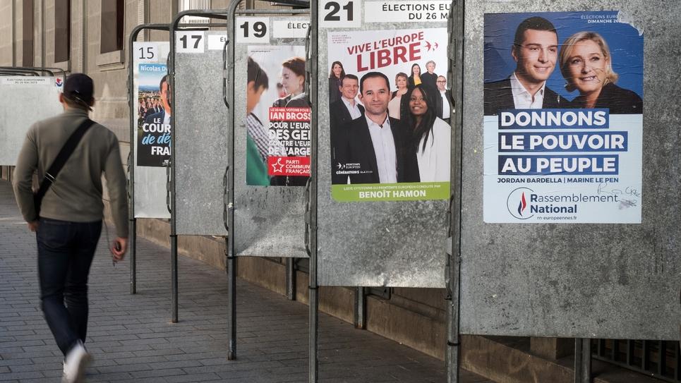 Des affiches électorales pour les Européennes, le 15 mai 2019 à Paris