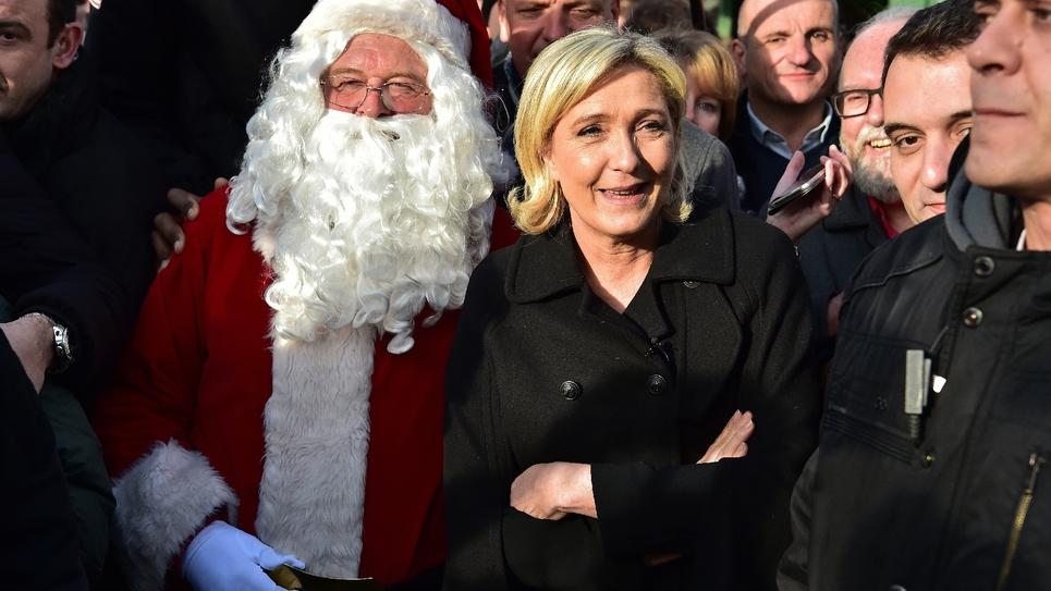 Le parti de Marine Le Pen, ici le 8 décembre à Paris, arrive en tête des partis qui attirent les jeunes, selon un sondage d'Odoxa.