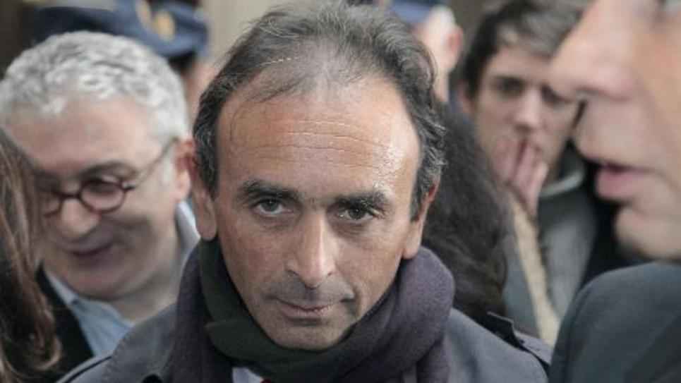 Le chroniqueur, journaliste et écrivain Eric Zemmour arrive au Tribunal correctionnel de Paris le 11 janvier 2011