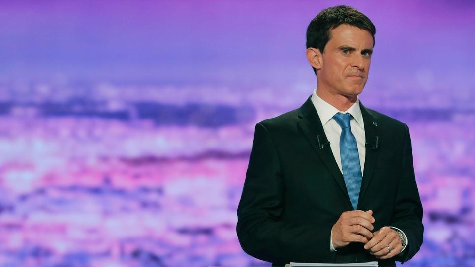 Manuel Valls sur le plateau de TF1 lors du débat télévisé entre les candidants à la primaire du PS le 12 janvier 2017 à la Plaine-Saint-Denis
