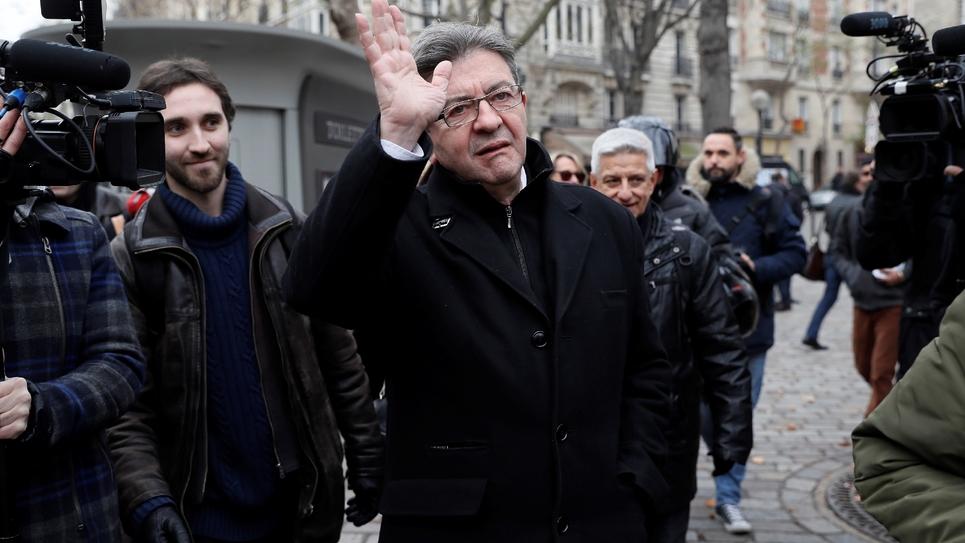 Jean-Luc Mélenchon, lors d'une visite dans le 20e arrondissement de Paris, le 10 décembre 2016.