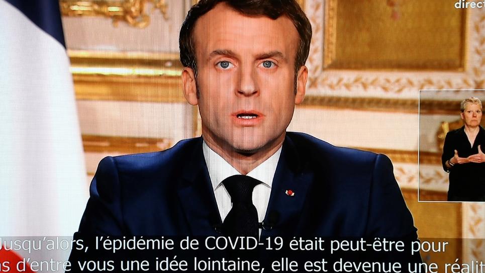 Emmanuel Macron s'exprime depuis l'Elysée sur les mesures prises pour freiner l'épidémie de coronavirus, le 16 mars 2020