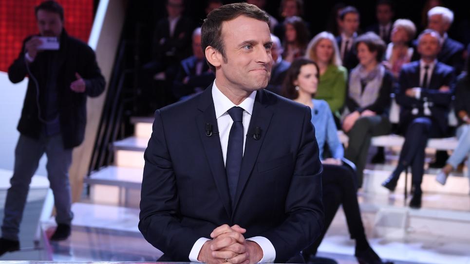 """Emmanuel Macron lors de """"L'emission politique"""" sur France 2, à Paris le 6 avril 2017"""